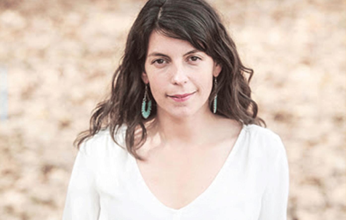 La directora ejecutiva de América Solidaria-Chile, Magdalena Valdés, da una serie de recomendaciones para trabajar el COVID-19 en relación a niños, niñas y adolescentes.