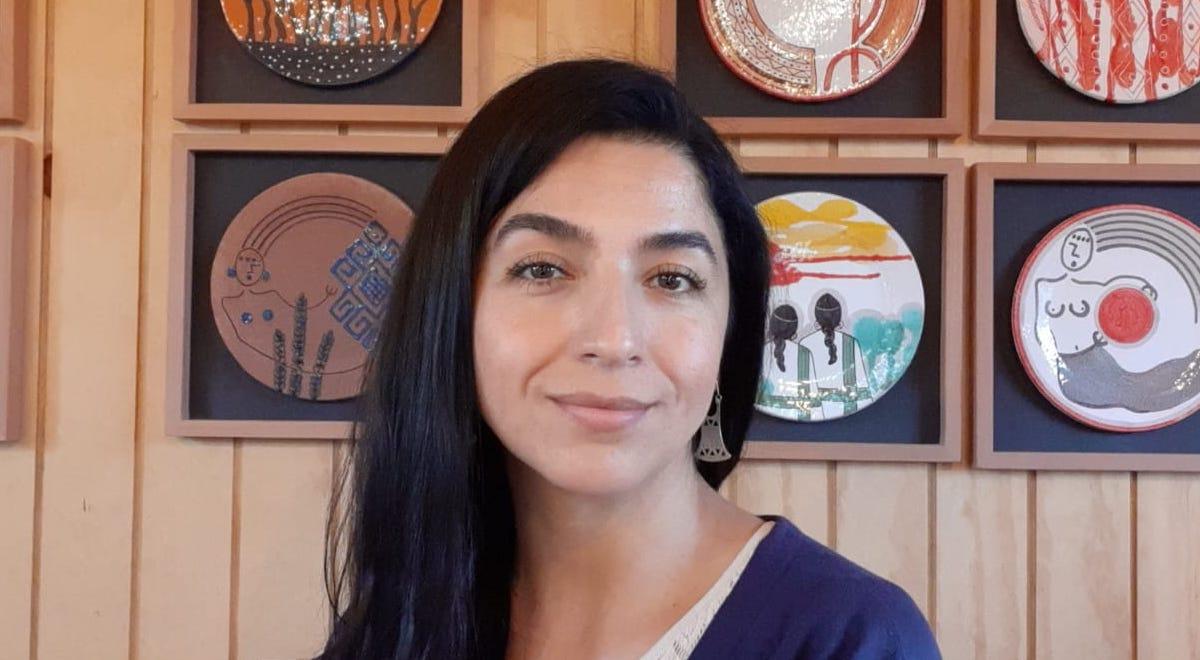 La ceramista y directora de basepública, Yessica Huenteman, nos cuenta sobre la celebración del nuevo año mapuche y la importancia de la conmemoración del primer Día de los Pueblos Originarios.